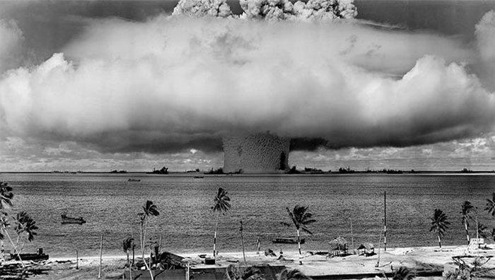 Причина вымирания человечества: ядерный Армагеддон.