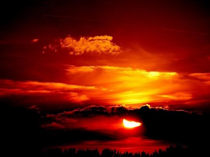Багряный закат.