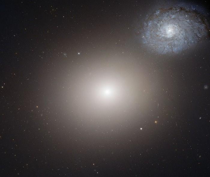 M60 и NGC 4647 - галактическая пара.
