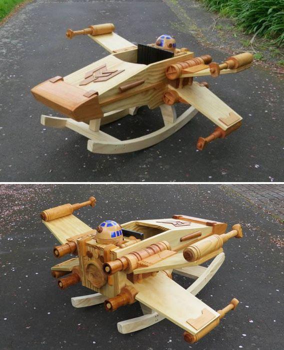 Качалка-самолёт.