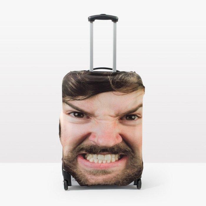Такой чемодан найдёшь сразу.
