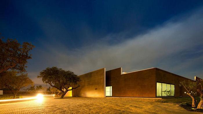 Отель из пробкового дерева в Португалии.