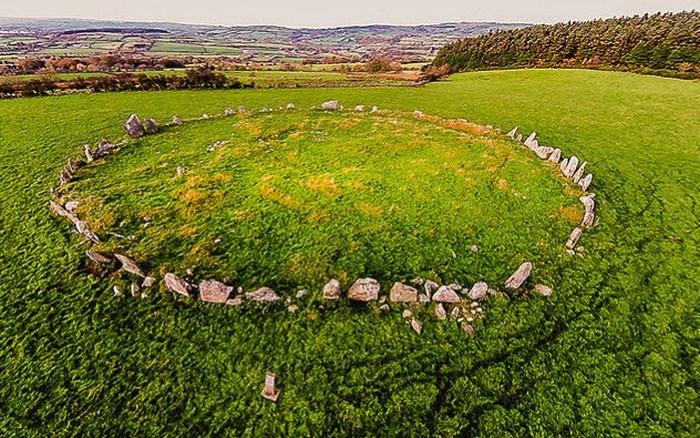 Каменный круг Белтани в Ирландии.