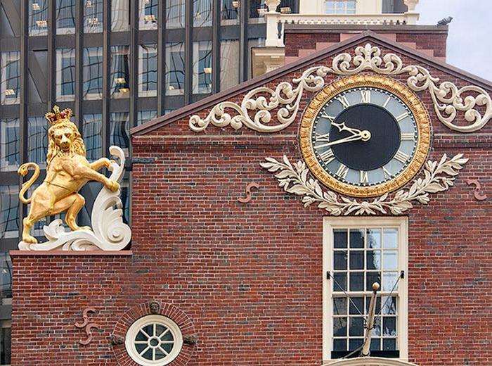 Капсула времени в статуе льва.