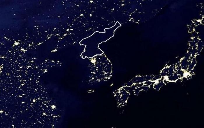 Воздушная съёмка над КНДР: света нет.
