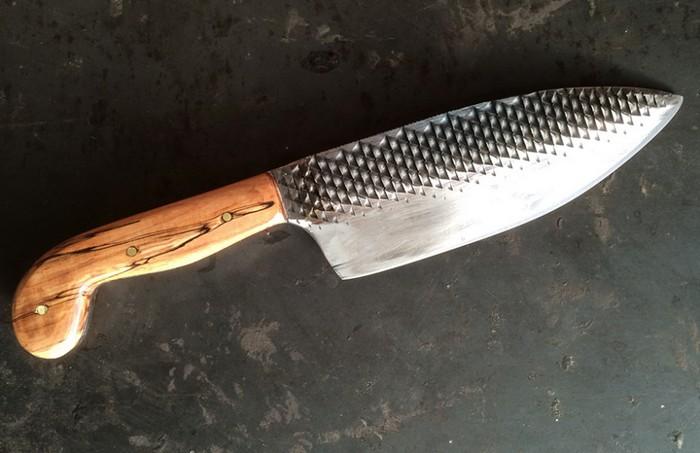 Ножи из лошадиных скребков.