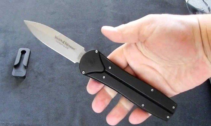 Smith & Wesson Power Glide - нож с необычной рукояткой.