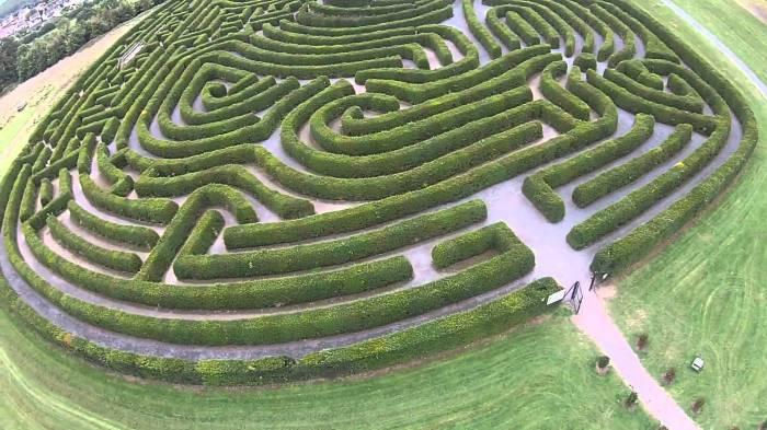 Лабиринт мира (Каслуэллан, Ирландия)