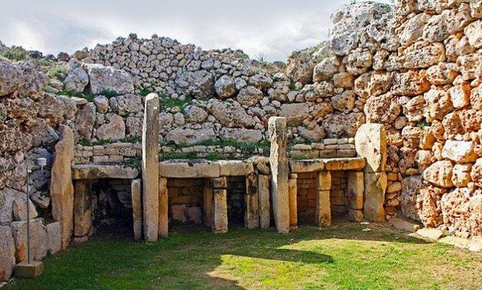 Храм гигантов - стройка великанов.