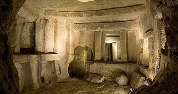 Самый древний подземный храм в мире.