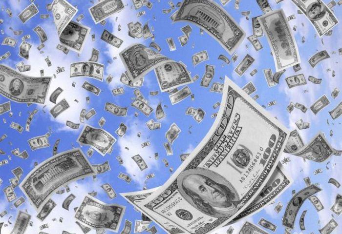 деньги сыплются с неба