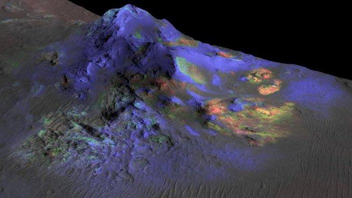 На Марсе есть импактное стекло.