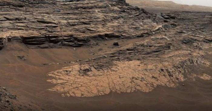 Марсианская минеральная загадка.