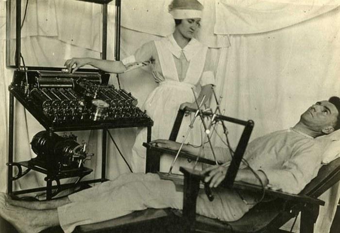 Электрический стул для лечения эпилепсии.