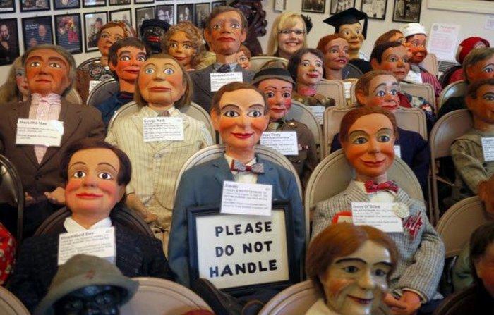 Самая жуткая коллекция кукол.