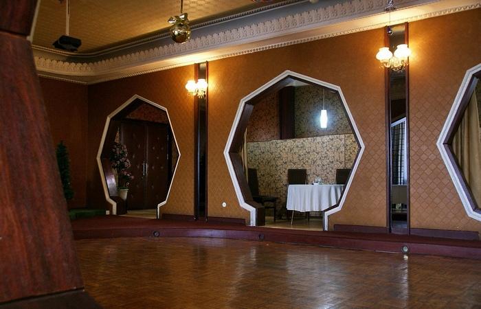 Ресторан Дипломатический клуб.