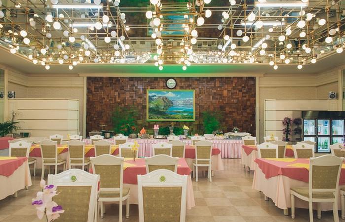 Ресторан в отеле Корё.