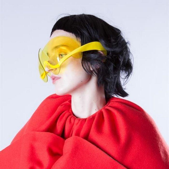 Antwerp Six - очки из цветного пластика.