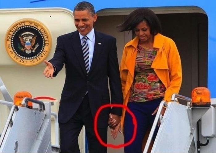 Обама с женой: кто третий?