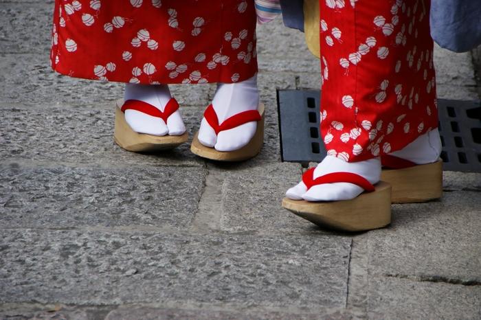 Окобо - обувь начинающих гейш.