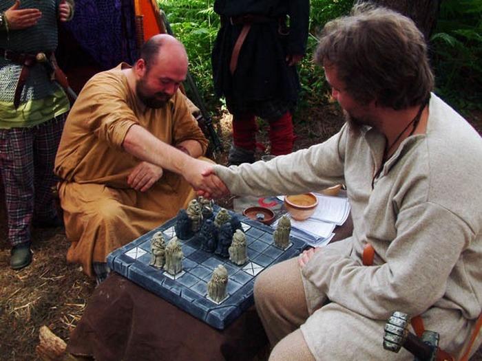 Тафл - древние шахматы.