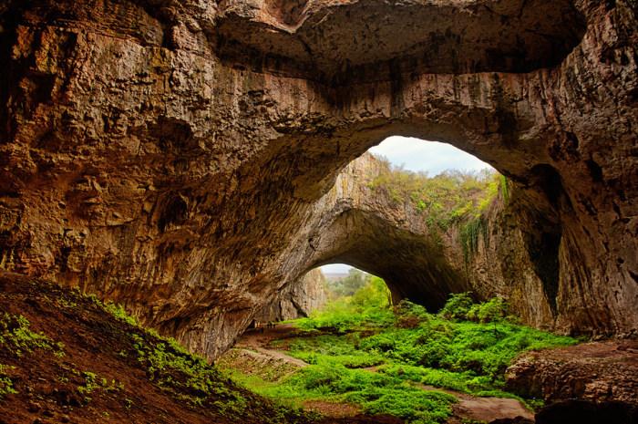 Пещера Деветашка в Болгарии.