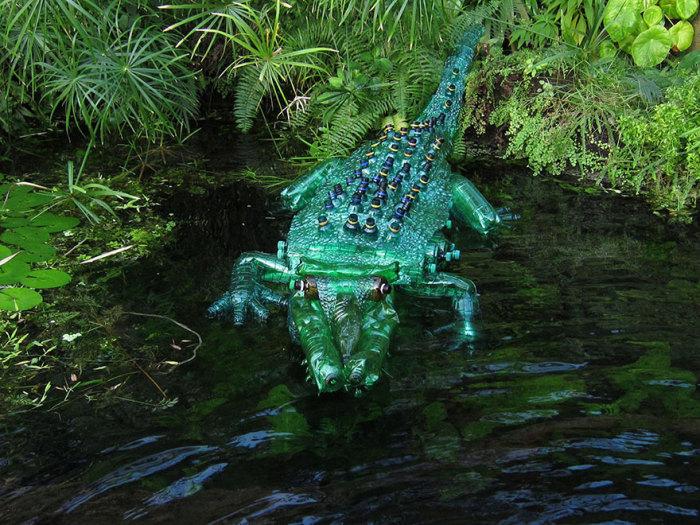 Вполне реалистичный крокодил.