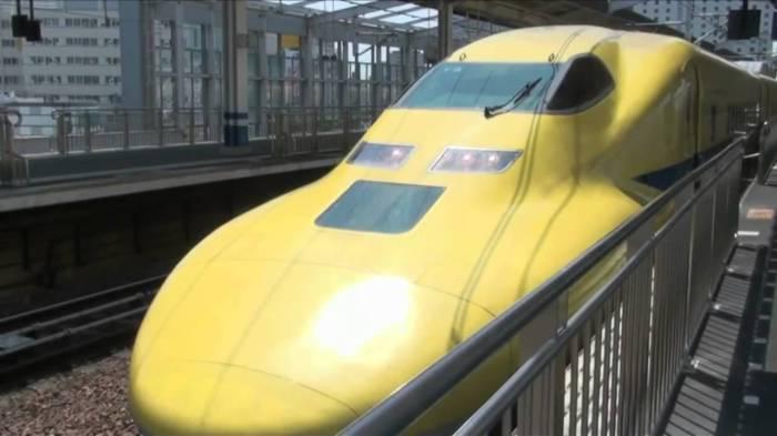 Поезда-пули Shinkansen.