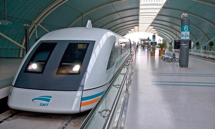 Shanghai Maglev Train - поезд на магнитной подушке.