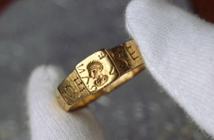 Кольцо Сенициануса и другие проклятые древности.