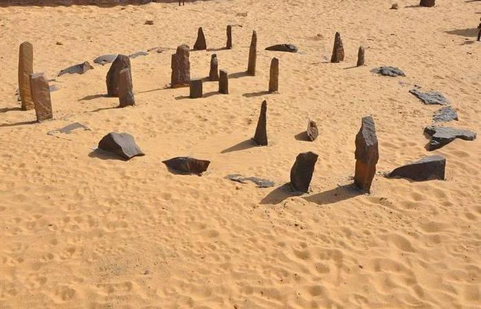 10 неразгаданных тайн, которые таят в себе  пустыни