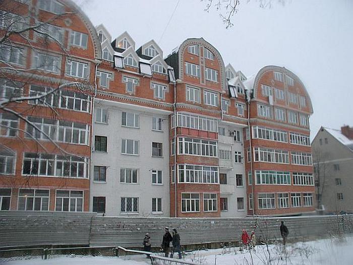 Пятиэтажка в Подмосковье после реконструкции.