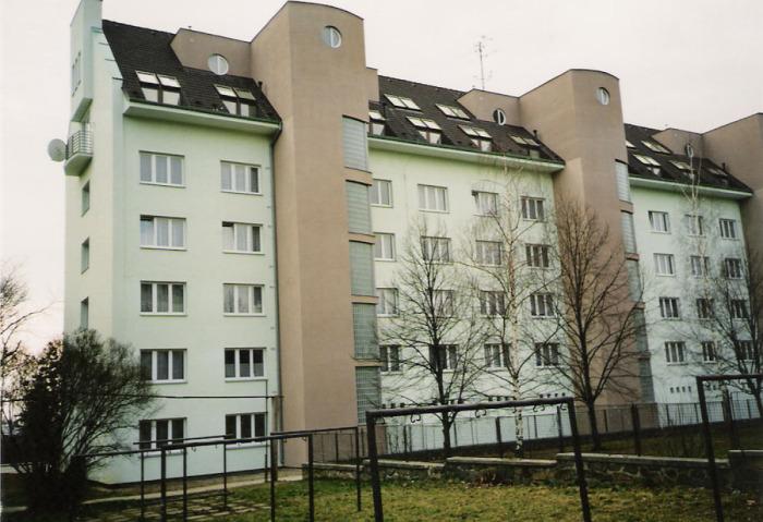 Эту 5-этажку реконструировали без выселения жильцов.