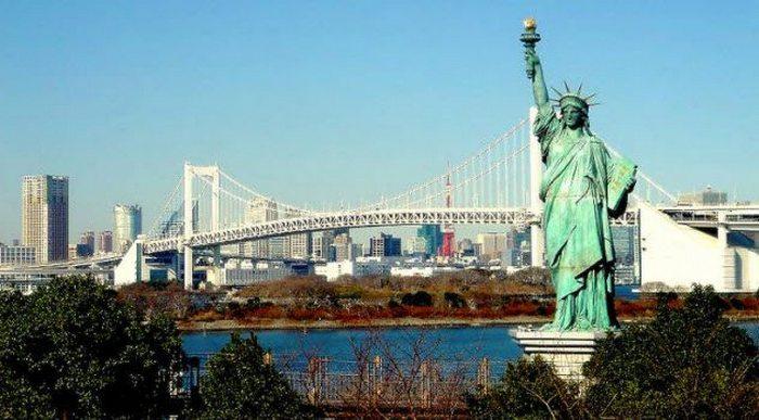Статуя Свободы в Японии