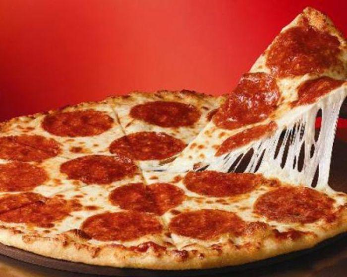 Чилийцы не едят руками даже пиццу.