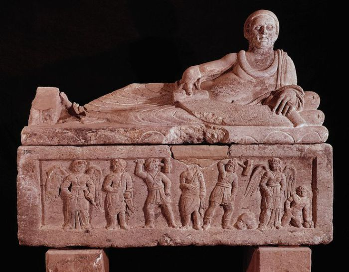 Нетронутый этрусский саркофаг