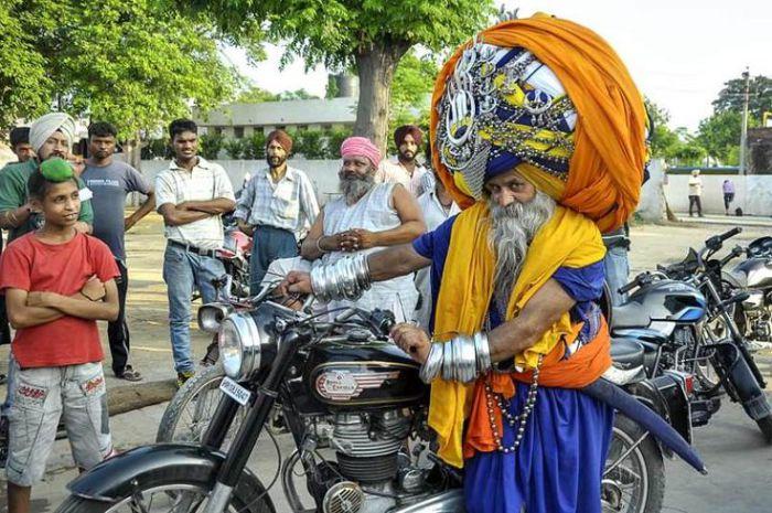 Мотоцикл как единственно возможный вид транспорта.