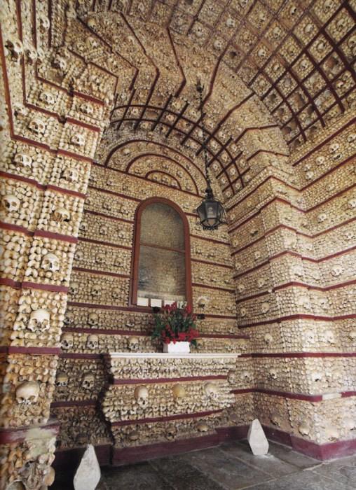 Португальская часовня костей.