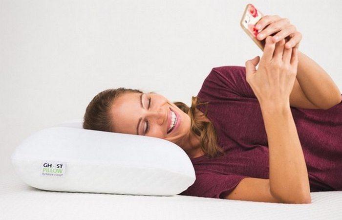 Охлаждающая подушка GhostPillow из геля с эффектом памяти.