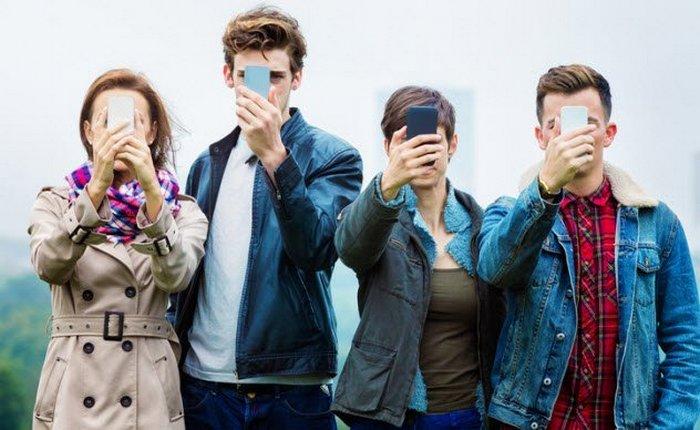 Без смартфона не жить.