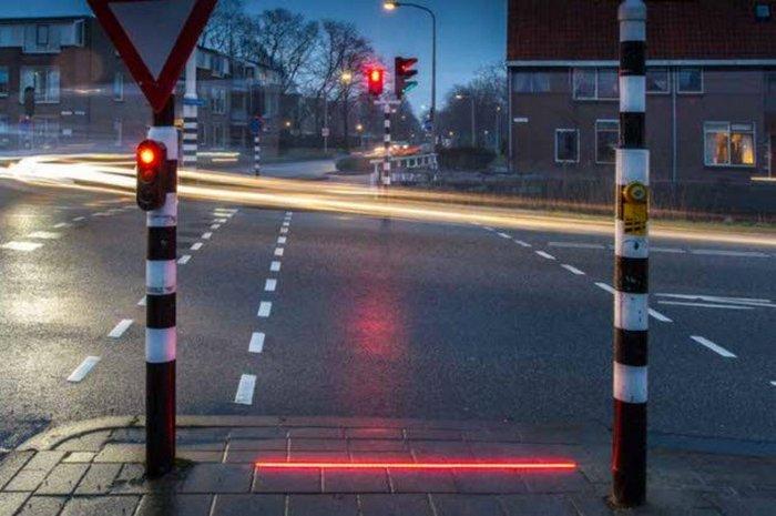 Тротуары с подсветкой для тех, кто не отрывается от смартфона.