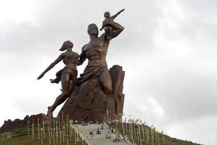 Скульптурная композиция «African Renaissance Monument».