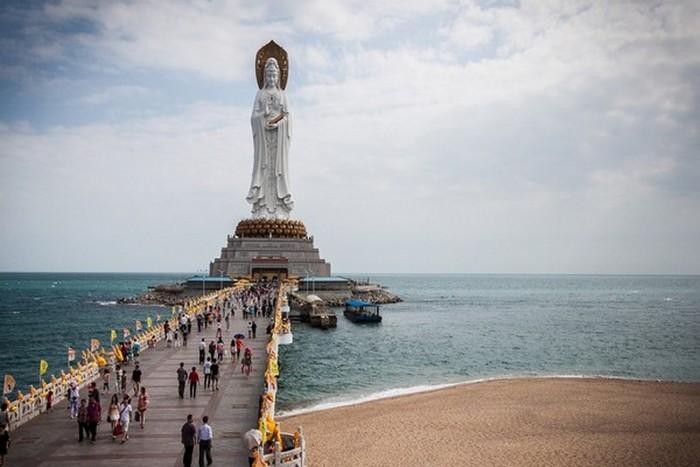 Статуя Гуань Инь.