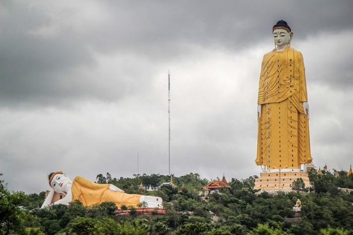 Статуя Лечжун-Сасачжа Будды.