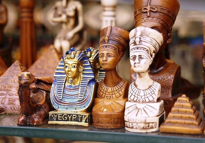 Статуэтка фараона.