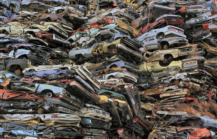 Кладбище автомобилей в Такоме.