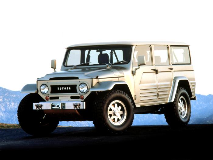 Land Cruiser FJ45 - классика жанра.