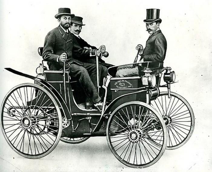 Первый серийный автомобиль компании Peugeot
