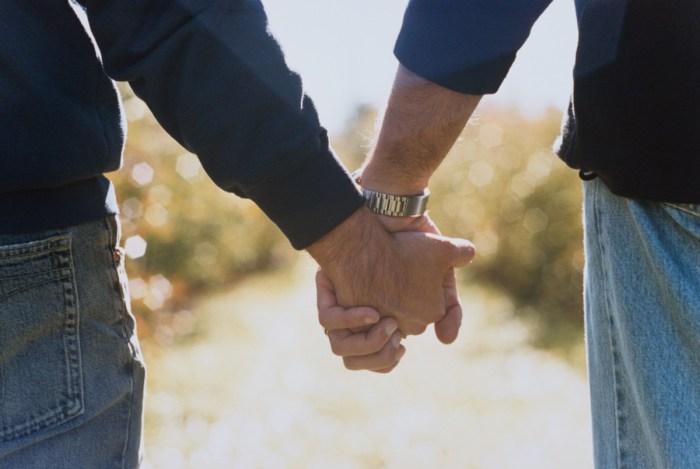 Исследования первого интимного опыта геев.