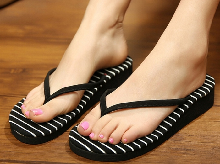 Вьетнамки - обувь, которая есть у половины населения планеты.